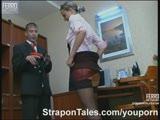 התענגות מינית במשרד עם אישה סקסית מאוד