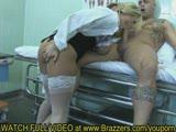 רופאה מקבלת זין מחולה שרירי מאוד וחם רצח