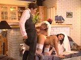 שתי כלות מוצצות זין לחתן