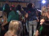 מציצות וזיונים חזקים במסיבה לוהטת