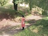 אורגיה סקסית על שביל ביער מחרמן