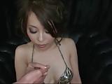 סינית משחקת בדגדגן של עצמי עם עוד גבר