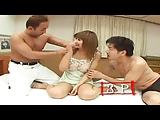 יפנית חמה עם דגדגן שעיר על בחור