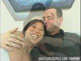 אסיאטית חרמנית עם גבר שובב
