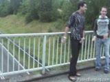 מוצצת בגשר לשניים ומקבלת זין