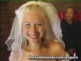 סקס עם כלה אחרי החתונה שלה